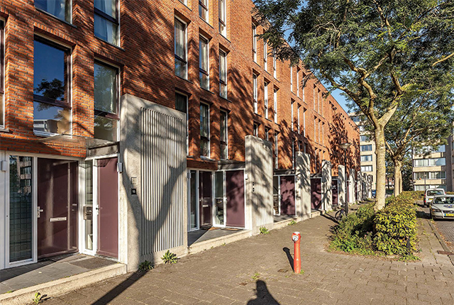 Elisabeth Samonstraat 1-49 & Harriet Freezerstraat 16